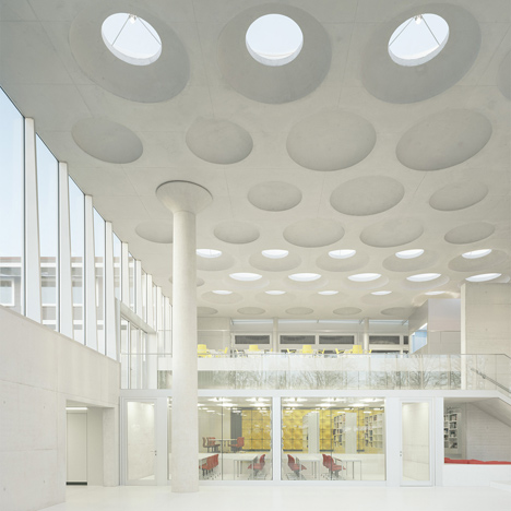 The Forum at Eckenberg Gymnasium - Ecker Architekten 1