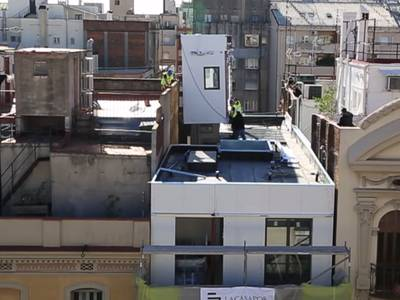 Pop-up prefab units build Barcelona up, rather than sprawl out (Video) 1