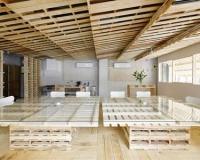Tokyo office space elegantly renovated with 130 pallets