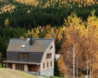 Znameni Ctyr completes a contemporary chalet in the Krkonoše mountains